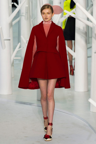 Delpozo-Fall-2015(Cape)